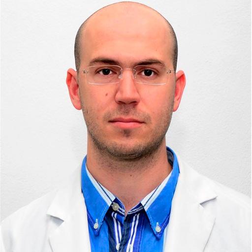 Dr. Armando García